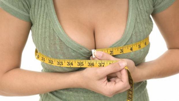Mai este mărirea sânilor un tabu? 5 prejudecăți cu care se confruntă femeile