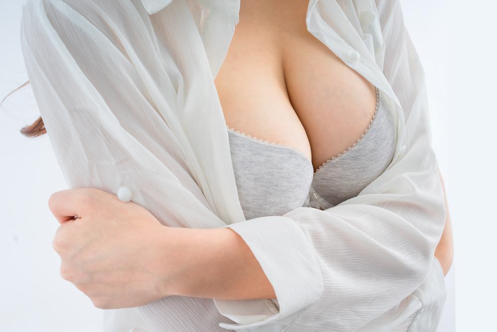 11 mituri desființate privind implanturile mamare cu silicon