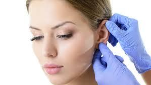 Ce presupune otoplastia, operația care corectează urechile clăpăuge și nu numai