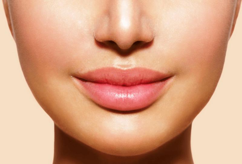 Remodelarea buzelor sau cum poți îmbunătăți cea mai puternică armă de seducție feminină